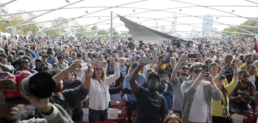 Fans will go crazy at the 2021 WNBA Champion Chicago Sky Rally on Tuesday, October 19, 2021 in Chicago at the Pritzker Pavilion.